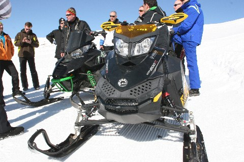 Snowmobile Verleih
